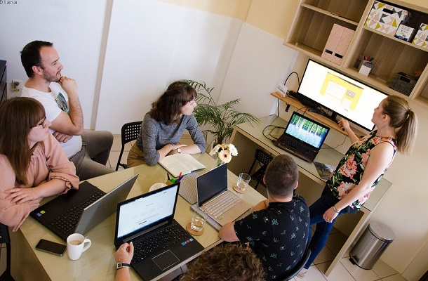 Hogyan segít Neked a közösségi iroda?